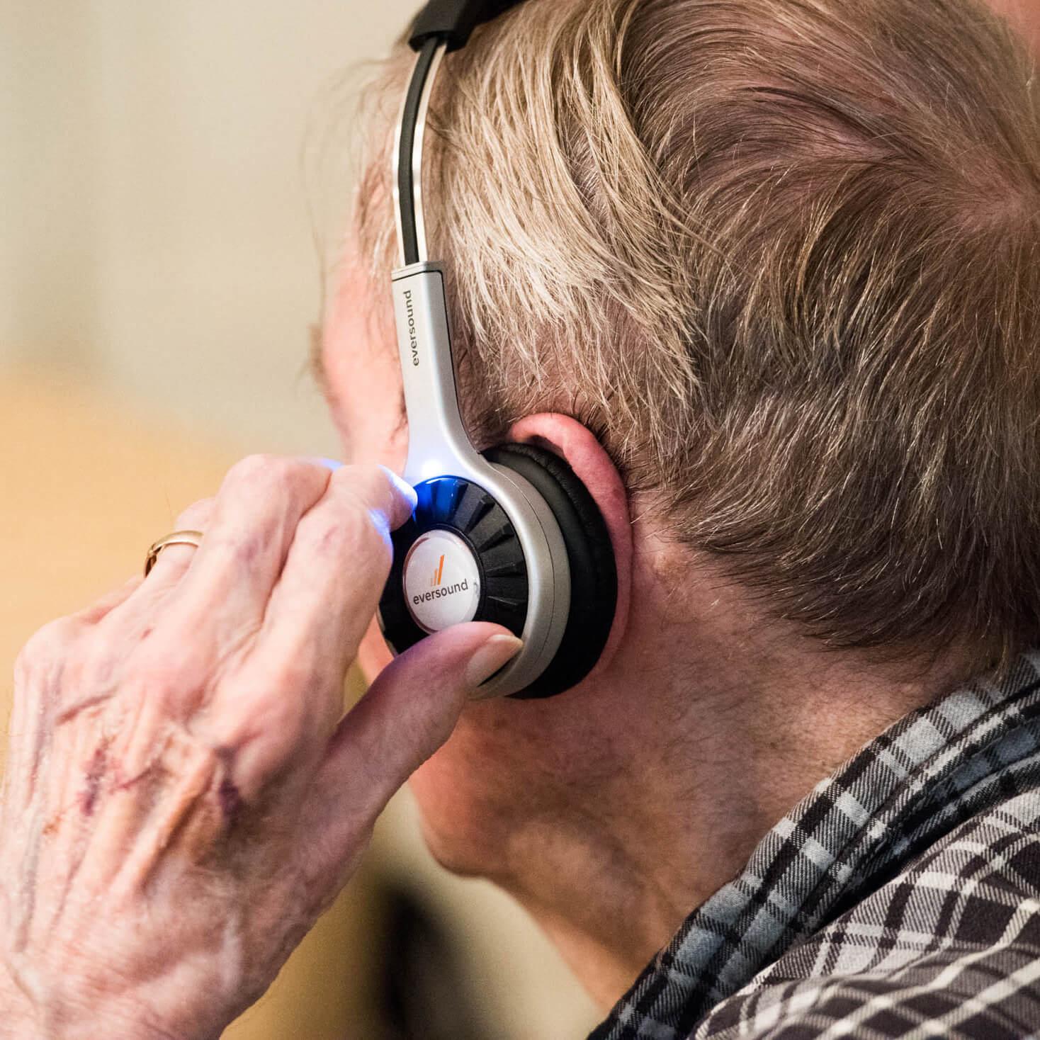 Eversound headphone controls