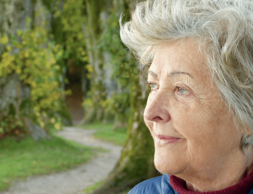 assisted living: how to keep seniors mentally and physically strong during quarantine